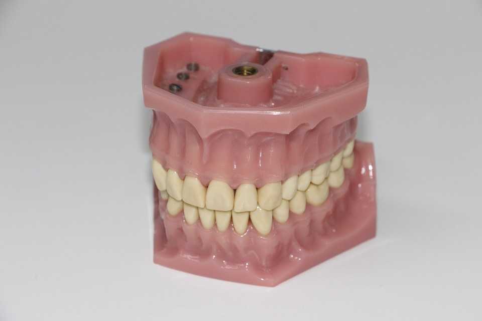 Best Denture Adhesive for Lower Dentures